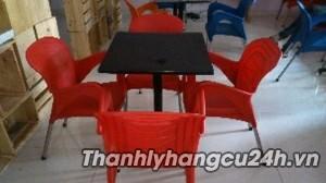 Thanh lý bàn ghế cafe nhựa đỏ