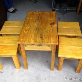 Thanh lý bàn ghế gỗ mini